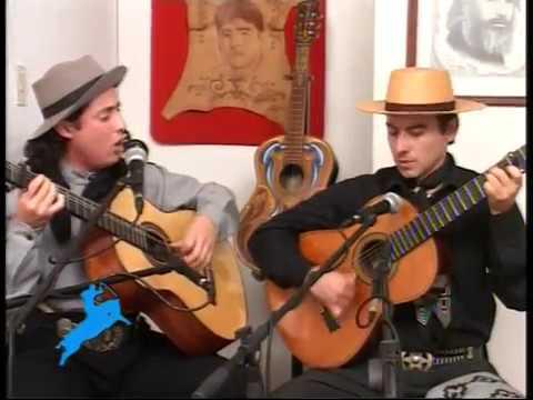 Contrapunto de payadores: Nicolás Membriani y Luis Genaro en Fiesta Gaucha.