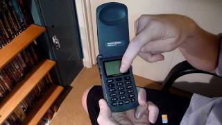 Classic Cell Phone Collection Part 4: Motorola StarTAC 8000g 1996