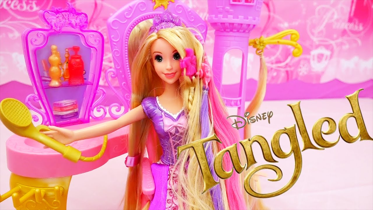 Disney Toys and Rapunzel Hairstyles - Mother Gothel Gives Rapunzel a Toy Beauty Salon