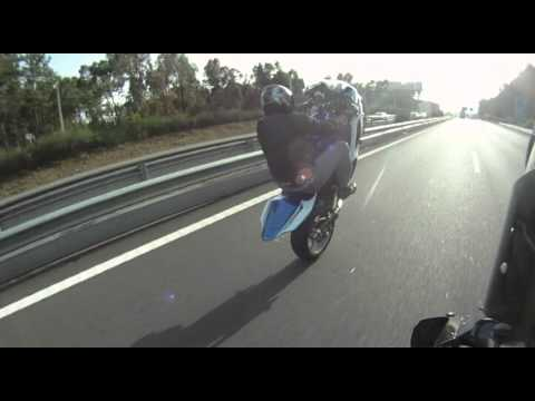 GO PRO  training GIXXER wheelies on highway