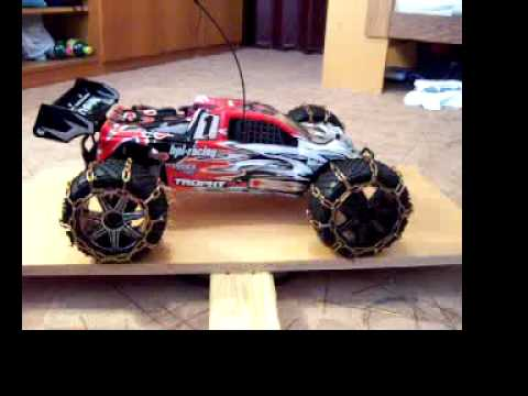 0 HPI Trophy Truggy 4.6 with snow chains   360 view
