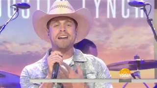 See Country Star Dustin Lynch Perform Small Town Boy Live