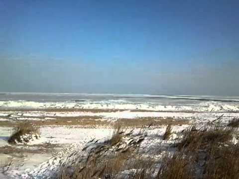 Замержшее море в Махачкале (Редукторый поселок 2012 год)