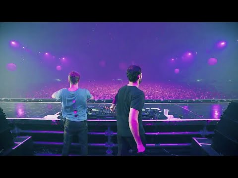 The Chainsmokers Trying Crowd Control