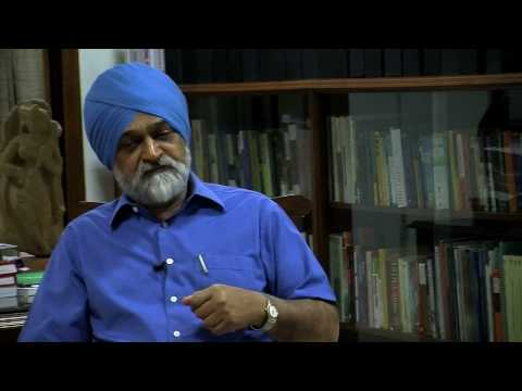 Montek Singh Ahluwalia - Funds do reach the grassroot level