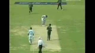 Shoaib Akhtar: The fastest bowler of all time. Pakistan