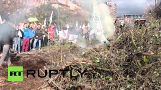 France Watch Farmers Spray Manure At Toulouse Town Hall