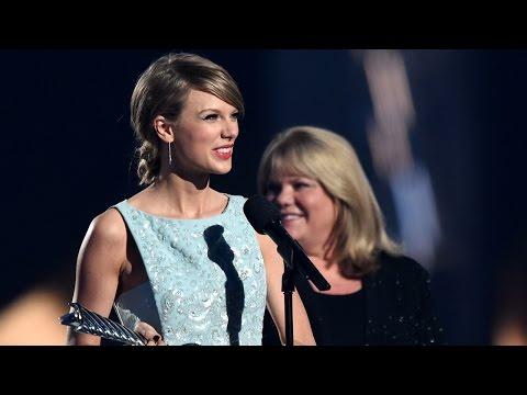 Taylor Swift's Mom Gives Emotional Speech ACMs 2015 Milestone Award