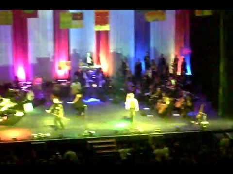 Amália Hoje - Abandono (Live)