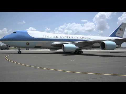 B-Roll of President Barack Obama and First Lady Michelle Obama arriving at Joint Base Charleston