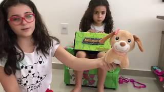 Alice veterinária e o ataque do dinossauro