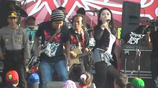 Download video Ratna Antika - Edan Toron, Netral (PDSI) Live Ima'an Monata 2014