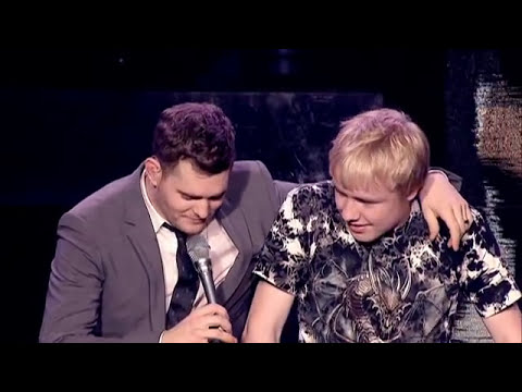 Michael Bublé - Singing with a Fan Live