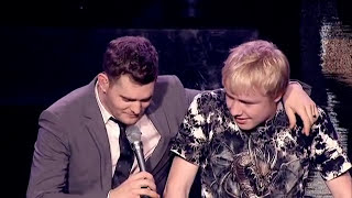 Michael Buble Video - Michael Bublé - Singing with a Fan Live