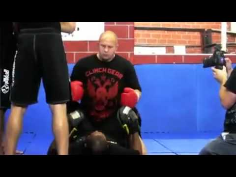 Fedor Emelianenko teach his ground'n'pound in MMA seminar Image 1