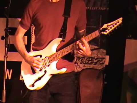 Paul Gilbert - Viking Kong