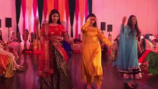 AMAZING MEHNDI DANCE