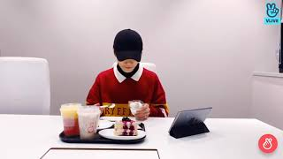jeongin is a mukbang king