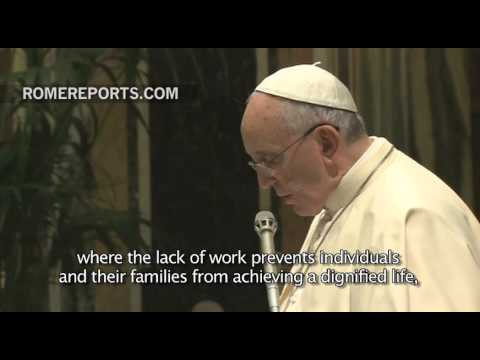 "Pope Francis on immigrants: For Christians, ""no one is a stranger"""