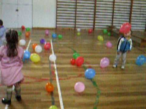 Psicomotricidad con globos youtube for Decoracion salas jardin de infantes