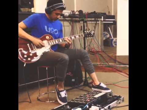 download lagu Roby Geisha - Guitar gratis
