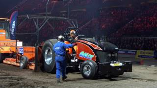 Super Stock Indoor Tractor Pulling Rotterdam Ahoy 2017 by MrJo