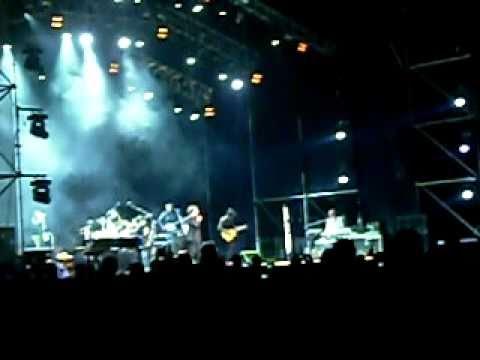 Charly García suena para el cierre del espectáculo final de la FNS en El Zonda