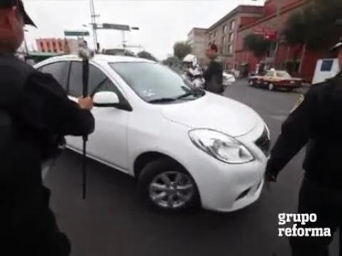Con berrinche mujer logra que no lleven su auto al corralon en el DF
