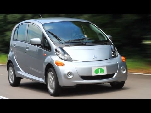 Mitsubishi i Electric Car Video Review - Kelley Blue Book
