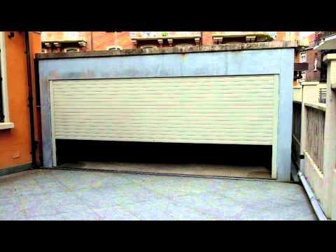 Floor to floor garage lift with turntable onboard