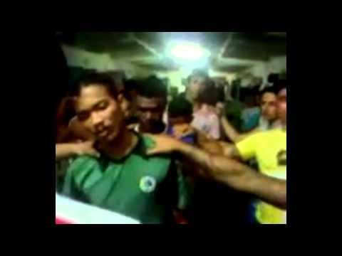 Vídeo mostra jovens sendo oficialmente iniciados no crime