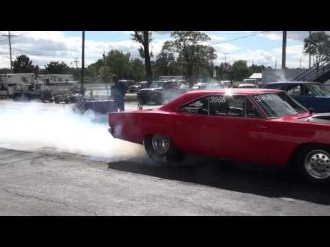 Mopar Nationals: Burnouts Galore!!