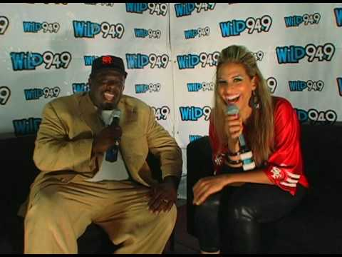 Cedric The Entertainer at JV's Comedy Jam