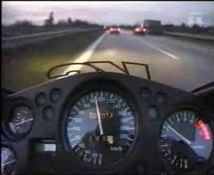 300 km/h uitatzi'va la benzina