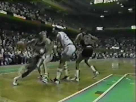Clyde Drexler Posterizes Roberts with a Tomahawk