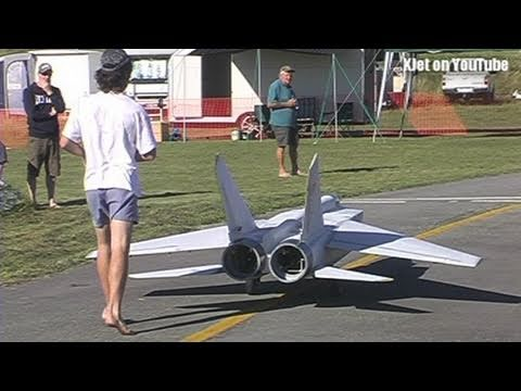 The world s largest Mig 25 RC Scale model airplane - the test flight