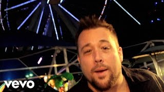Watch Uncle Kracker Nobodys Sad On A Saturday Night video