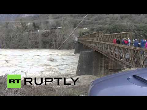 Greece: Historic bridge collapses due to heavy rains