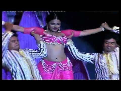 Vidya Balan's Sexy Performance On 'Oo La La'