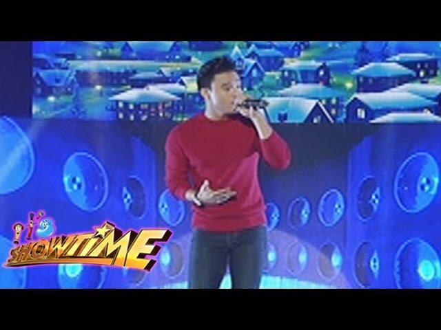 "It's Showtime Singing Mo To: Edgar Allan Guzman sings ""Tuloy Na Tuloy Pa Rin Ang Pasko"""
