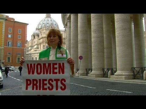 Excommunicated female priest detained over Vatican protest