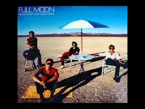 Full Moon featuring Neil Larsen&Buzz Feiten - Phantom Of The Footlights (1982)