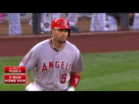 Pujols' 521st career homer is a two-run shot