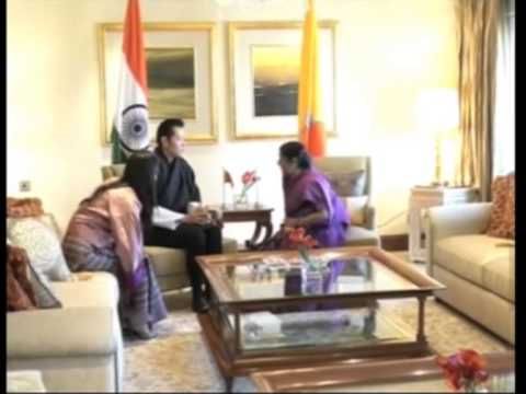 26 jan, 2013 - Bhutan King meets Sonia Gandhi, discusses issues of mutual interest