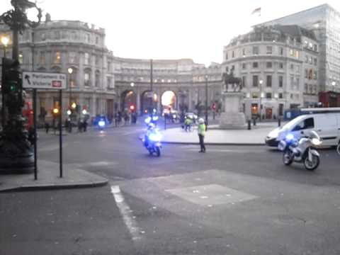 Police supported transport Julian Assange @ London