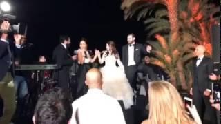 """شاهد """"دويتو"""" شيرين عبد الوهاب وتامر حسني بزفاف عمرو يوسف وكندة علوش"""