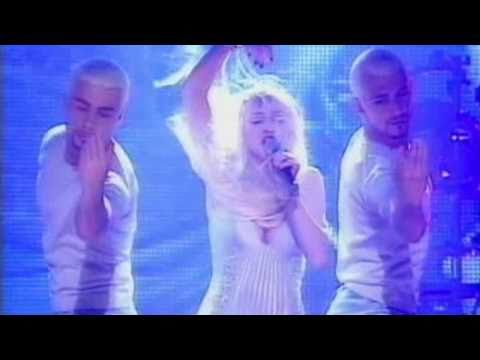 Madonna - Bedtime Story (Live at Brit Awards)