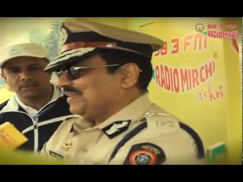 Aamchi Mumbai Police talks to Radio Mirchi @ Mumbai Marathon 2012