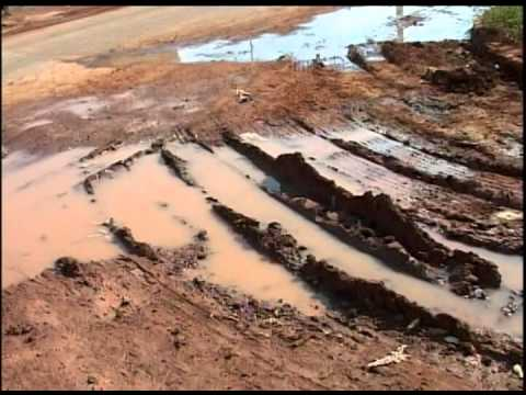 Moradores reclamam de lamaçal em rua do Bairro Portal de Fátima