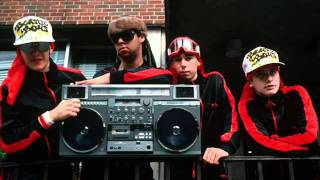 Watch Beastie Boys Beastie Groove video